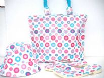 Cotton canvas beach bag, flip flop and cap