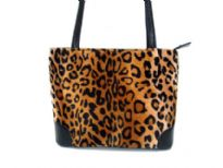 Fabric Bucket Shoulder Bag. Top zipper closing.
