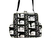 Betty Boop Film Bag with kiss lock. Made of fabric and detachable single strap .