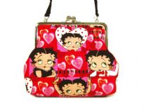 Betty Boop Love Bag with kiss lock. Made of fabric with a detachable single strap.