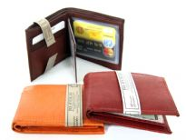 Cowhide Bi-fold men wallet with removable ID flap