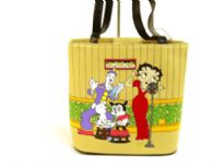 Betty Boop Bucket Bag with zipper closure. Made with PU (Polyurethane) and double handle.