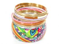 Garden inspired colorful print on wide cuff bangle of this 8 piece fashion bangles set which is lightweight & durable. 7 thin bangles in different colors & patterns matching with the wide bangle completes this beautiful set.