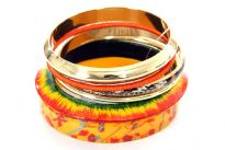 Six pieces bangles set