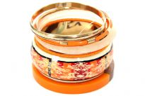 Seven pieces bangle set