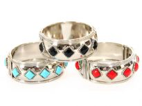 Metal Folding Bracelet (12 Pieces in Box)4 Pieces per color, Silver Plating, Opaque Glass Beads