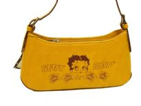 Betty Boop Printed PVC Handbag with zipper. Made with PU (polyurethane) and single strap.