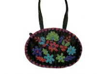 A demure, pretty bag for eveni