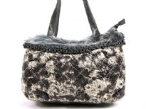 Snake print PU Fashion Handbag with faux fur trim on the top of the bag with zipper closure & double shoulder straps.