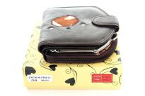 Genuine Leather Ladies Wallet. The wallet comes with Gift Box.