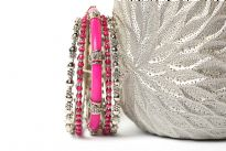Bohemian Fashion Fuchsia Bangle Bracelet Set. This is a 5 pc set. It will fit a small to medium size wrist.