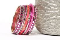 Chic & trendy assorted 11 pieces set of hand crafted fashion bangles consists of 2 wide glittery bangles with mirror pattern, 1 hot pink glitter bangle, 1 threaded bangle, 4 thin fuchsia & 4 thin silver bangles.