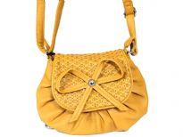 Faux leather shoulder Bag. Top zipper closing.